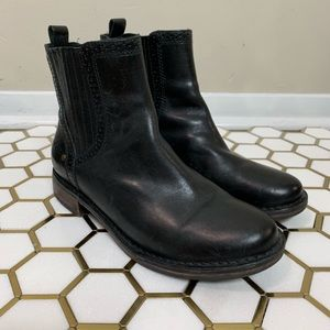 Ugg Leather Caraby Ankle Boots